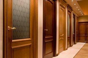 Деревянные двери - классика в дверях