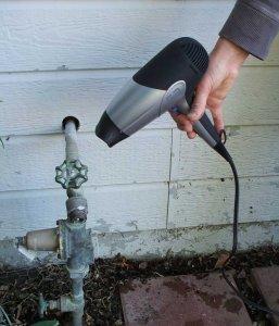 О том, как отогреть замерзший водопровод