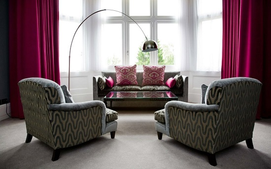 Уютный уголок в гостиной комнате