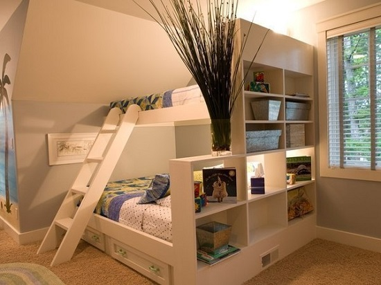 Идея дизайна детской комнаты предназначена для семей, где есть дети близнецы или погодки