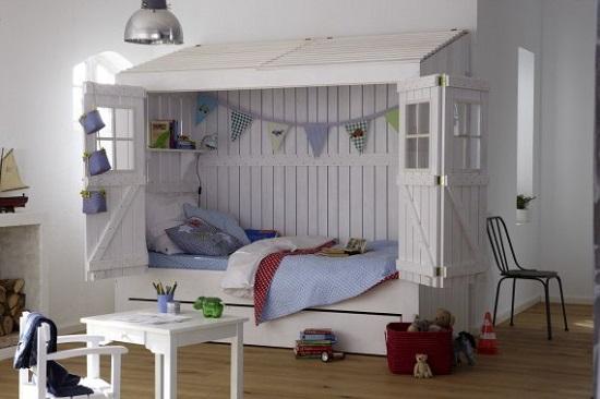 Домик для мальчишки в детской комнате