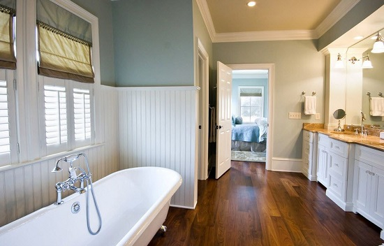 Влагостойкий паркет для ванной