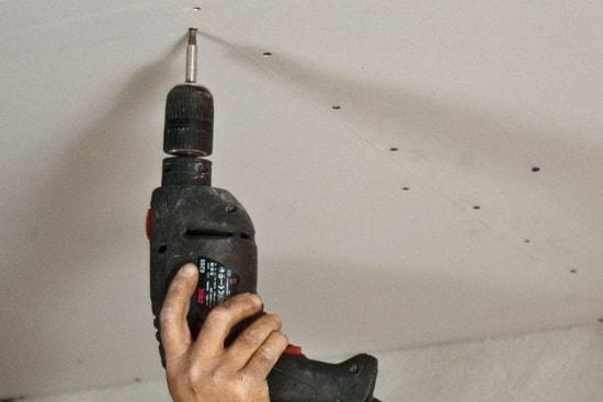 Как установить потолок из гипсокартона