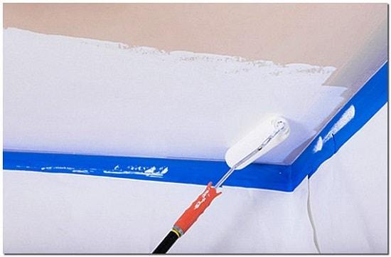 Малярный скотч помогает избежать многих проблем со стенами